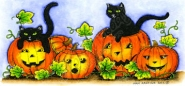 Jack O' Lantern With Playful Cats